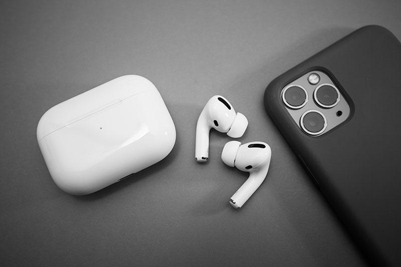 Apple's Spatial Audio Enhances Sonic Experience