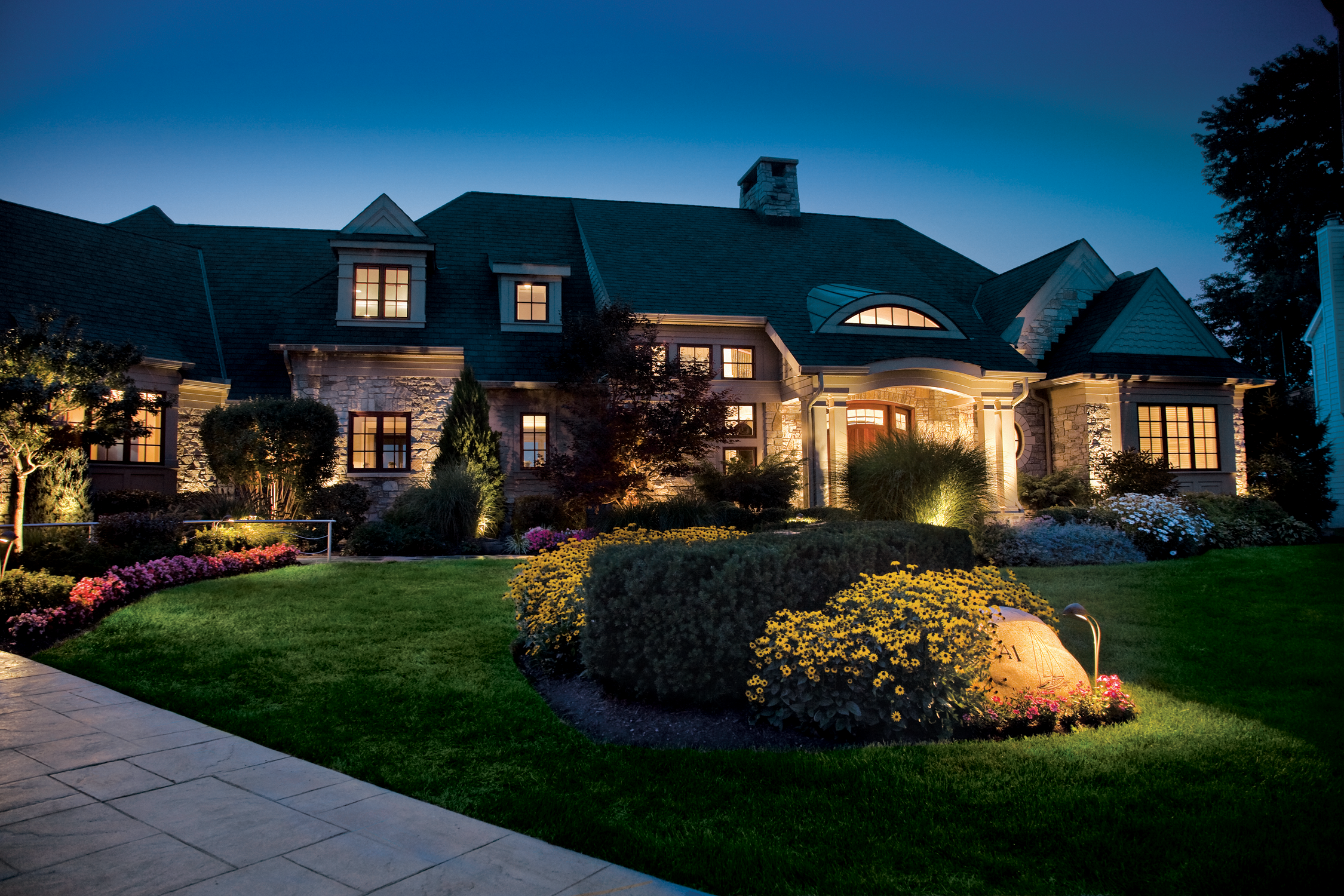 Where Should You Install Your Outdoor Light Fixtures?
