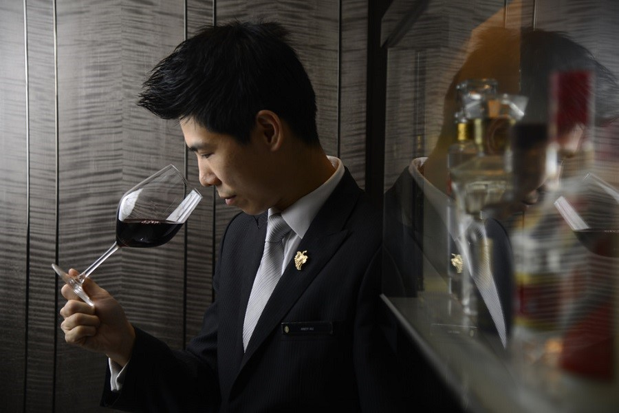 A Private Sommelier Will Transform Your Next Party