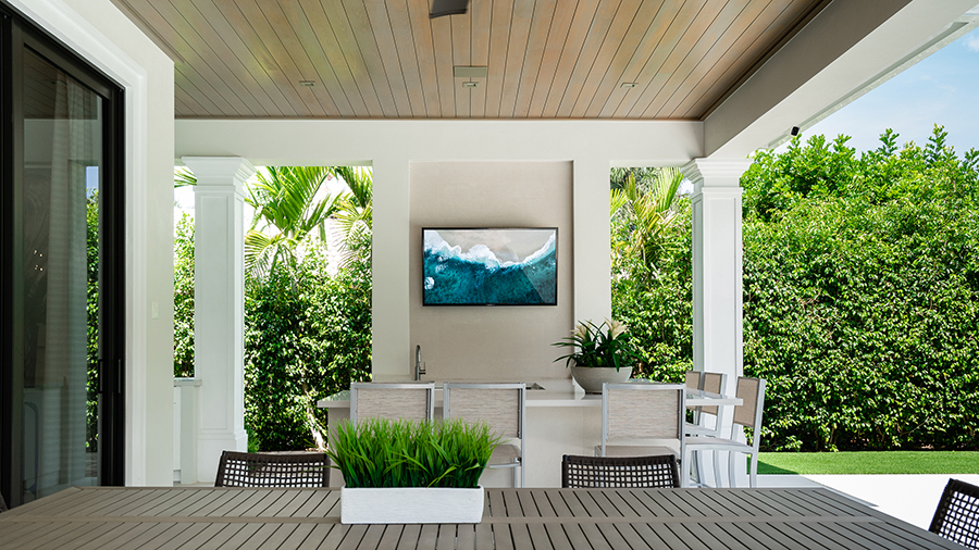 How to Watch TV Outdoors in the Sun!