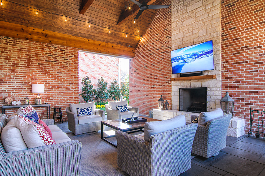 Outdoor Screens Get Motorized Makeover