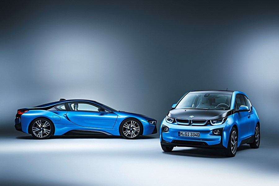 Luxury Car Makers Eye The Electric Market
