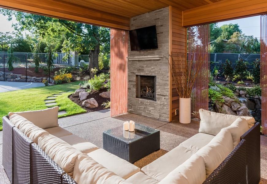 Do Indoor Displays Fit Your Outdoor TV Installation Needs?